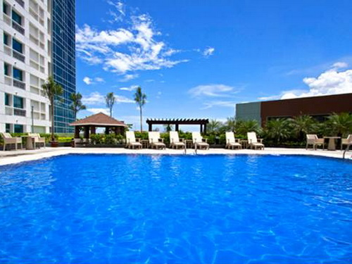 Quest hotel cebu cebu hotels resorts my cebu guide - Diamond suites cebu swimming pool ...