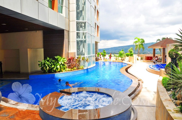 Crown regency hotel and towers cebu hotels resorts my - Diamond suites cebu swimming pool ...
